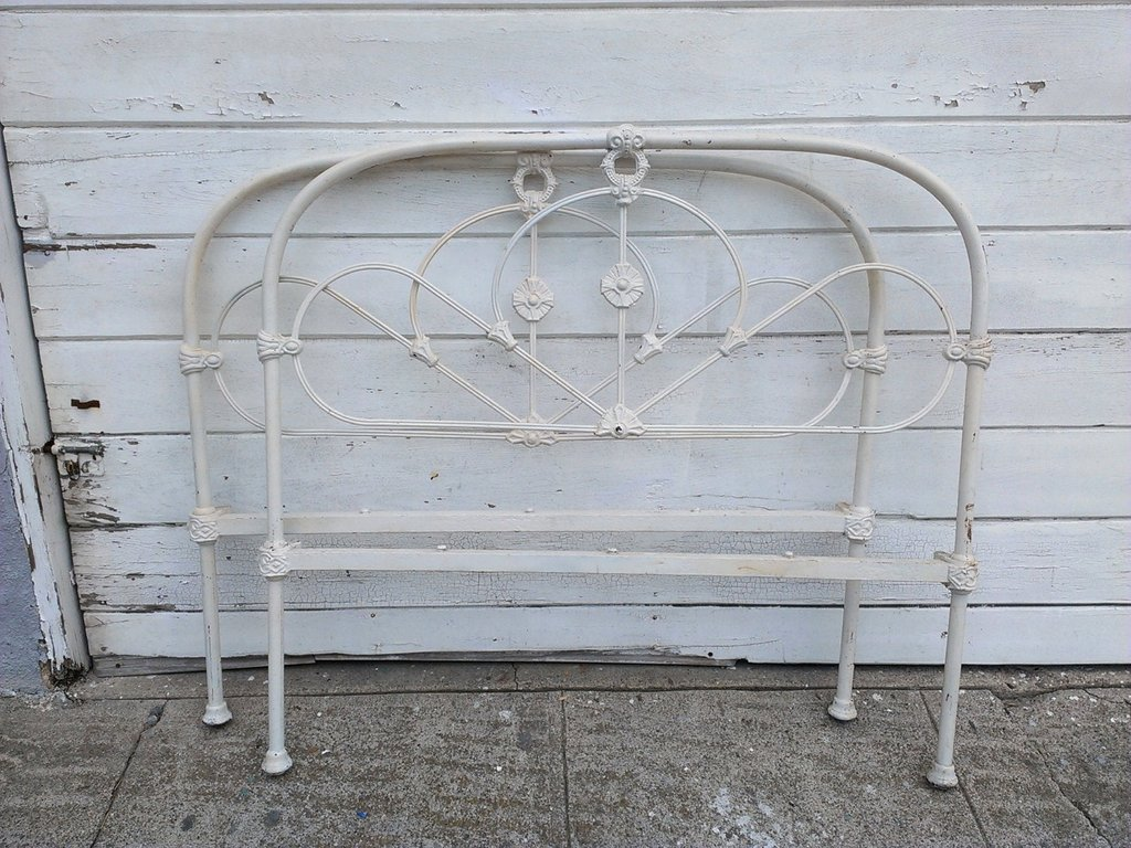 18 Simple Antique White Iron Bed Idea Photo Tierra Este Making An Wrought Iron Headboard