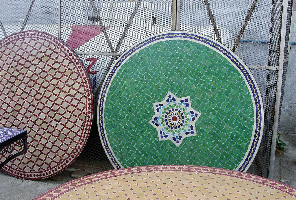 Ahrabella Heabe Lewi Art 2 Inspire Moroccan Journey How To Build Round Wood Table Tops