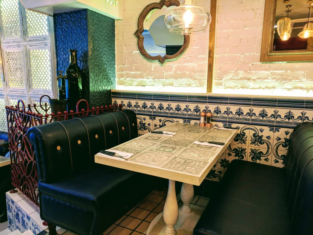 Bab Greek Restaurant Glasgow Gourmand How To Build Round Wood Table Tops