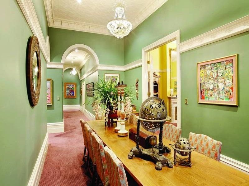 Beautiful Retro Victorian Family Residence House Dining Breakfast Nook Furniture Ideas