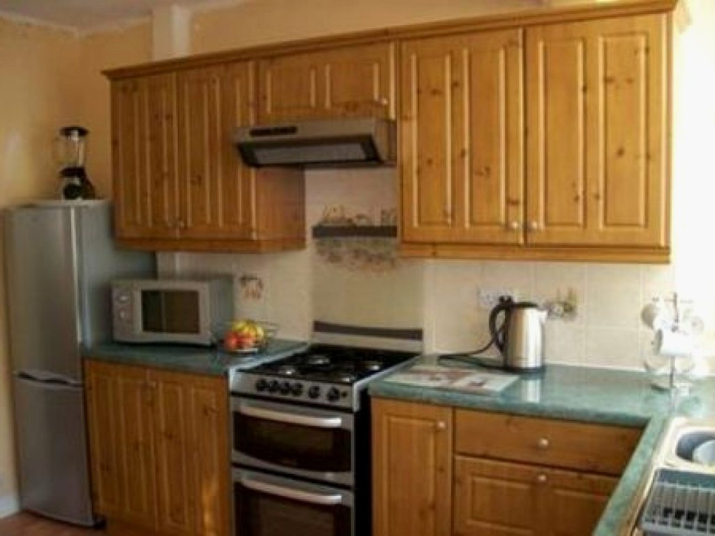 Beautiful Yellow Pine Kitchen Cabinet Gl Kitchen Design Knotty Pine Cabinets