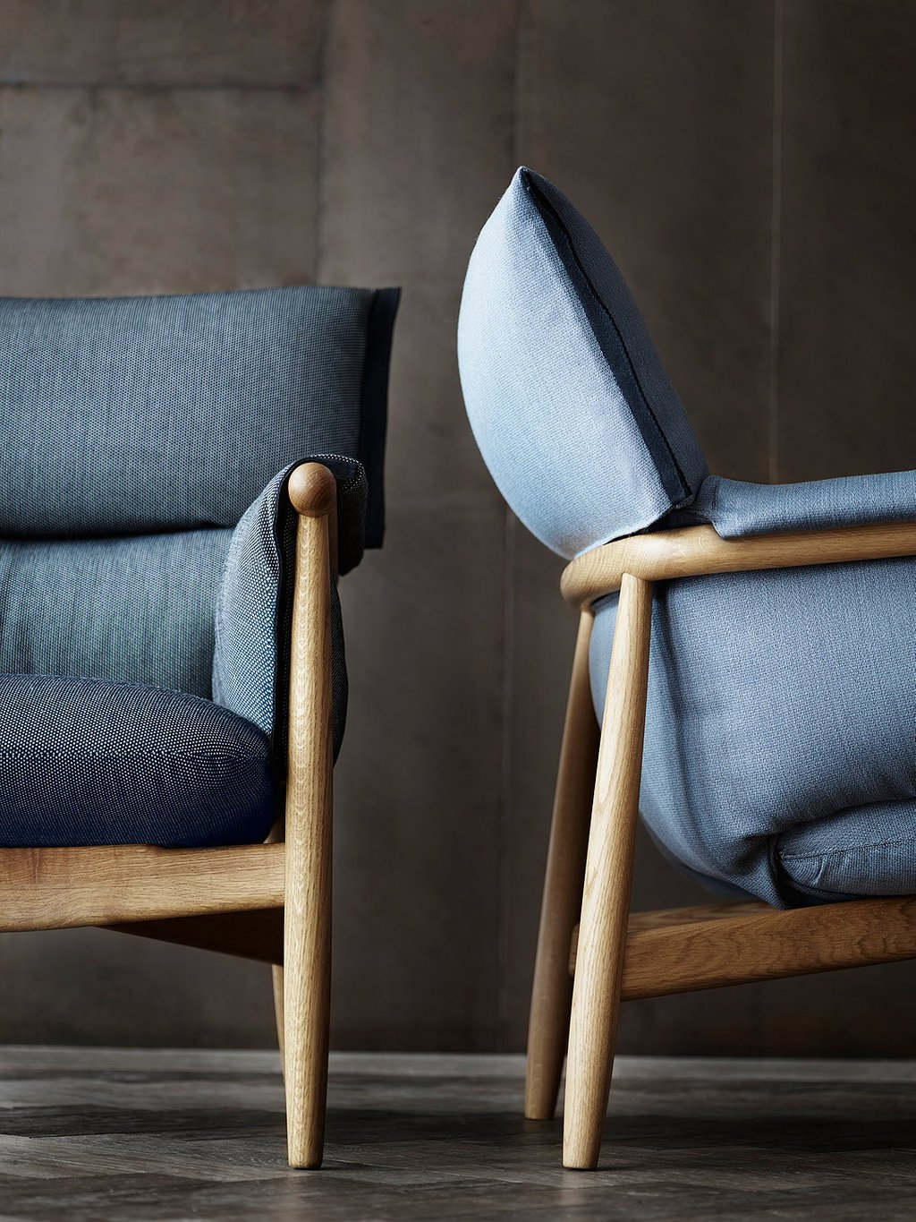 Carl Hansen Son Unveil Embrace Lounge Chair How To Build A Wood Twin Bed Frame
