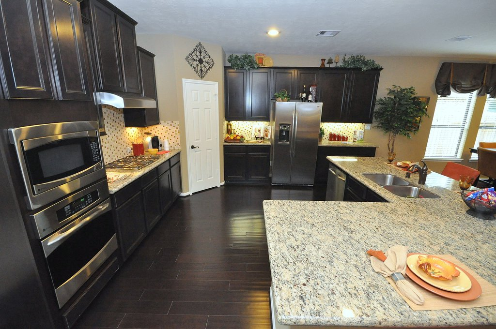 Dark Kitchen Cabinet Light Granite Countertop Ideas For Backsplash Ideas With Dark Cabinets