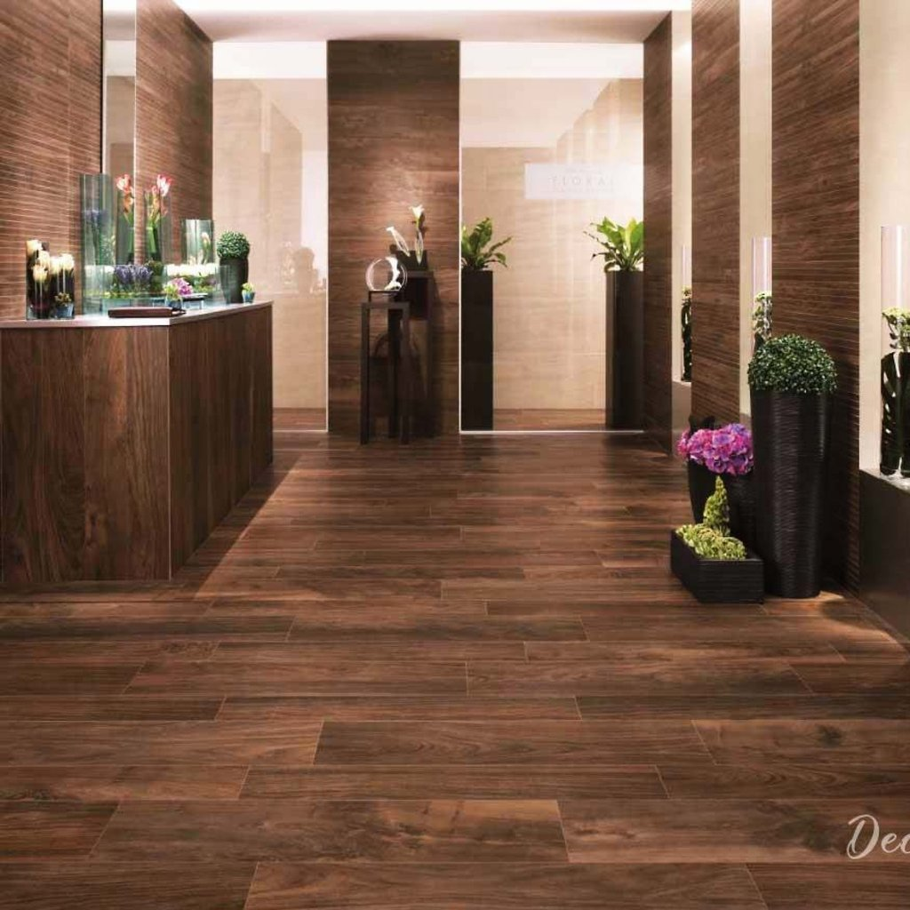 Decormy Ru Laminat Na Stene V Interere 33 Krutyh Resheniya Tile Effect Laminate Flooring For Bathrooms