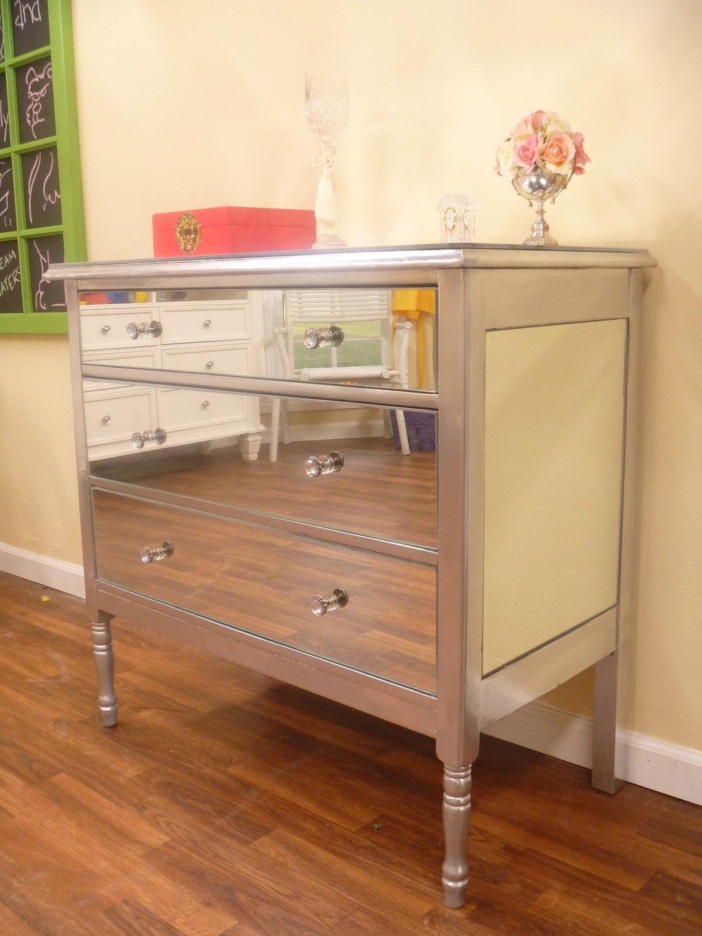 Diy Mirrored Dresser Spray Painting Rust Spray Create Dressing Table With Mirrored Dresser
