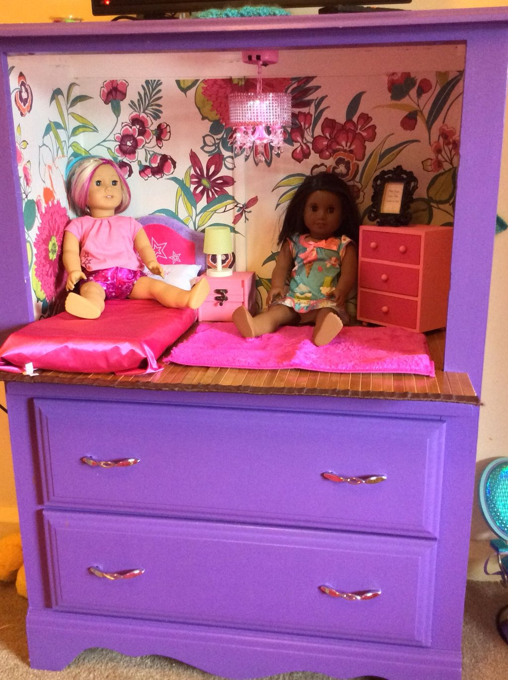 Dresser Cycled Perfect Doll Room Storage Mirrored Nightstand And Dresser