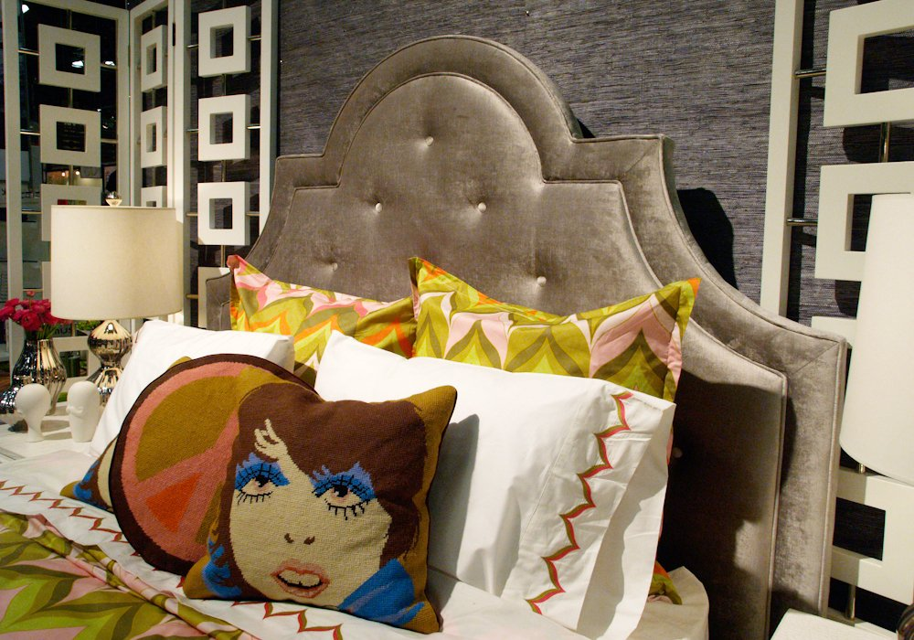 Eye Design Decorating Velvet Mixing Modern How To Build A Tufted Headboard