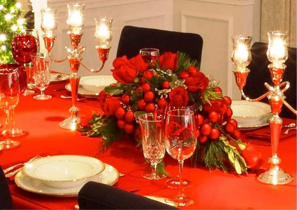 Festive Dining Room Red Tablecloth Christma Dining Room Table Centerpieces Ideas
