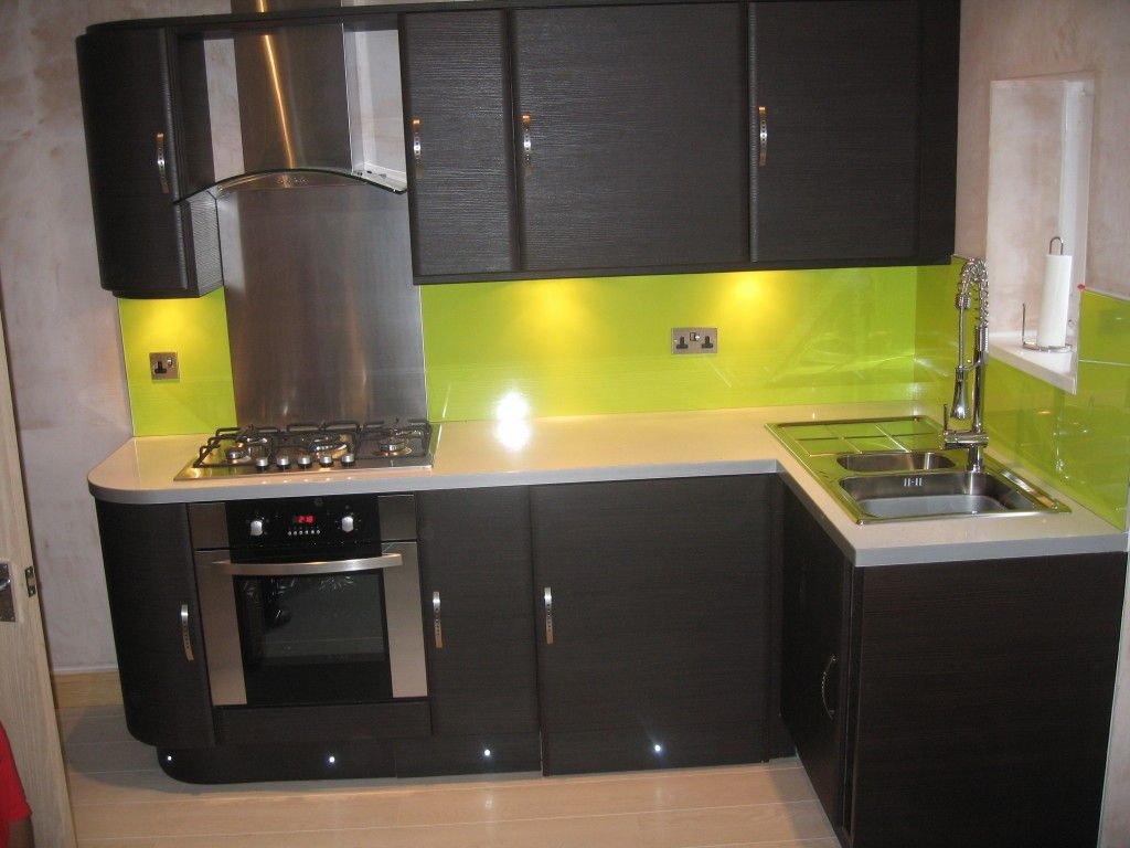 Fresh Feel Green Kitchen Decor Idea Green Cabinet What Colors Look Best With Green Kitchen Walls?