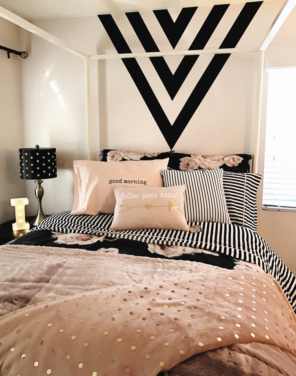 Girl Room Black Gold Pink Black Paint Feature Wall Comfort Teen Bedroom Furniture, Simple Step Mood Boost For Teenagers