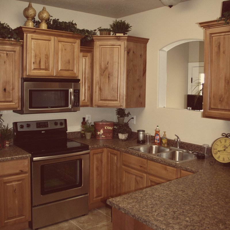 Knotty Maple Kitchen Cabinets: Rustic Maple Kitchen Cabinets