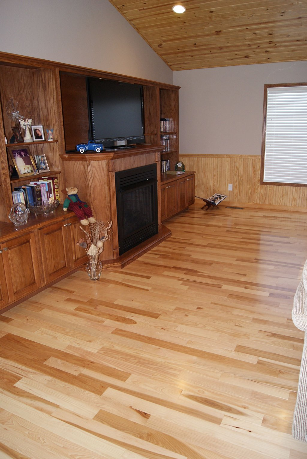 Hickory Common Hardwood Flooring Natural Tiger Wood Flooring For A Warmer Home