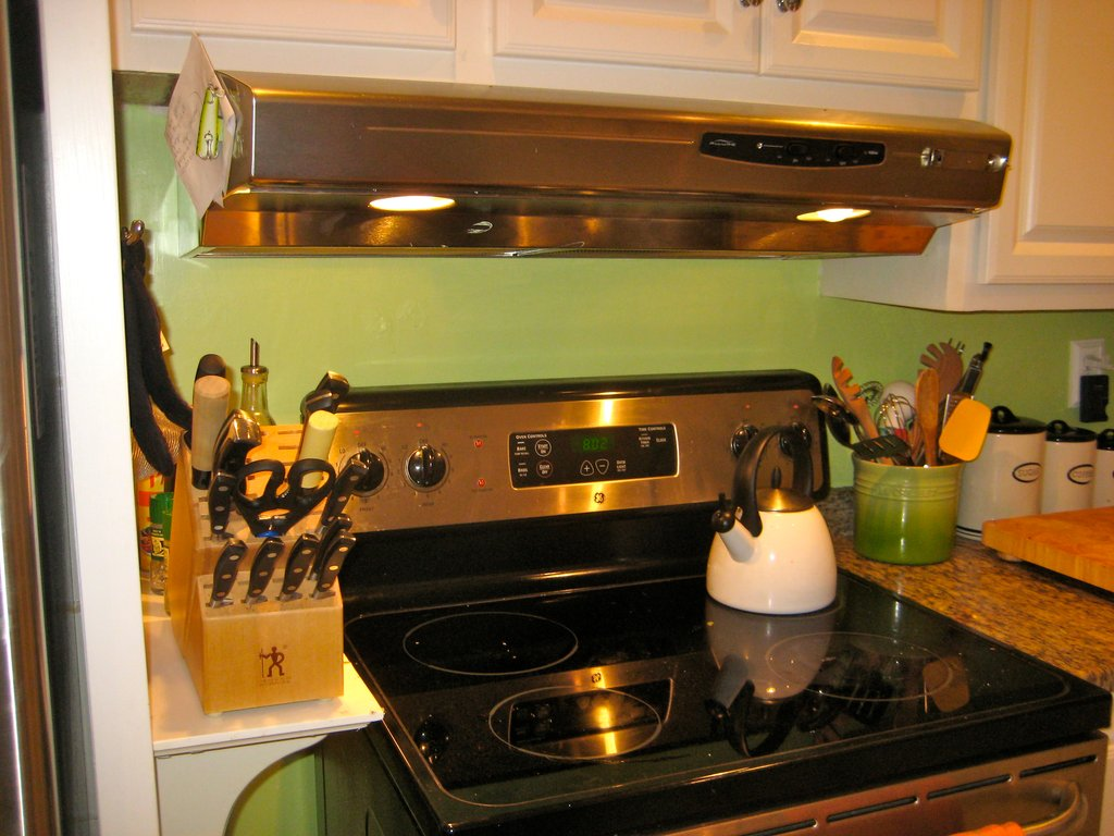 Home Office Decorating Ideas Lime Green Kitchen Decor What Colors Look Best With Green Kitchen Walls?