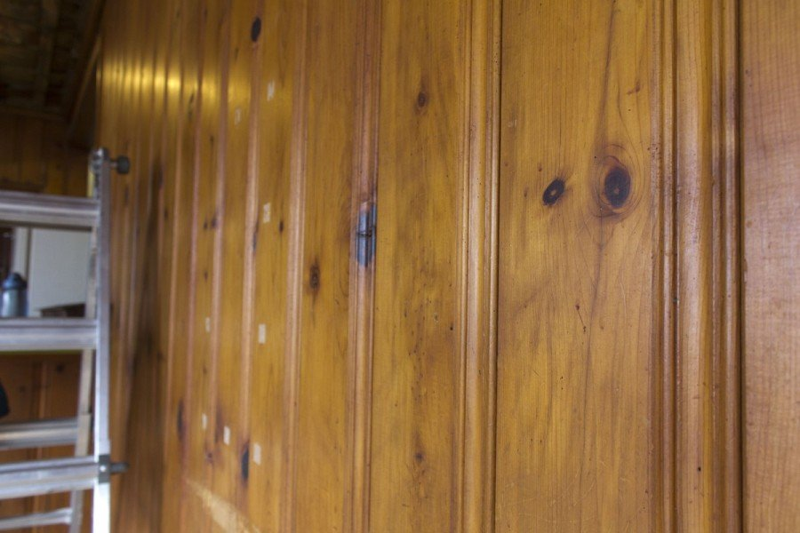 Ideas Outstanding Famou Knotty Pine Paneling Knotty Pine Laminate Flooring Remodeling Ideas