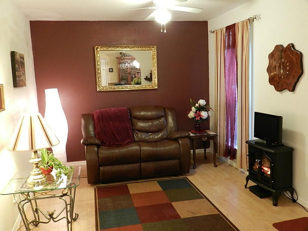 Image Result Accent Wall Burgundy Furniture Decorating Burgundy Leather Sofa