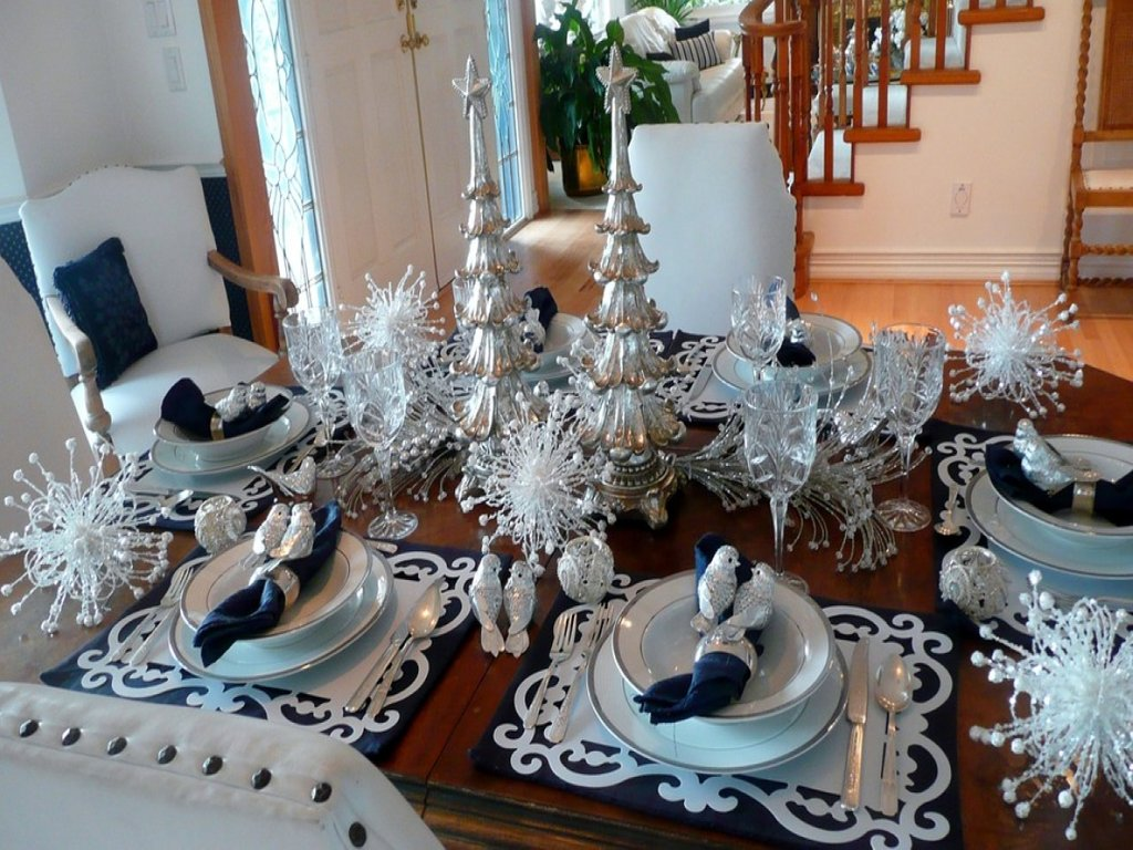 Informal Dining Room Furniture Silver Christma Table Dining Room Table Centerpieces Ideas