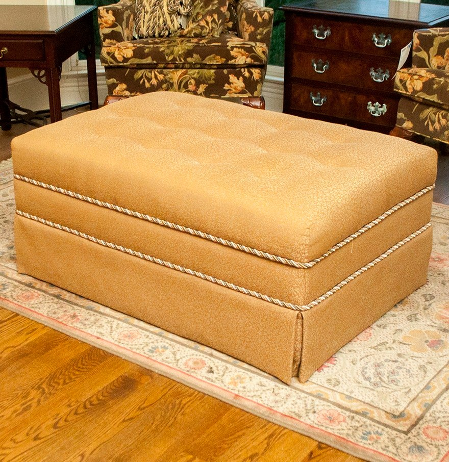 Large Tufted Storage Ottoman Matching Bedskirt Ebth How To Make Round Ottoman Coffee Table