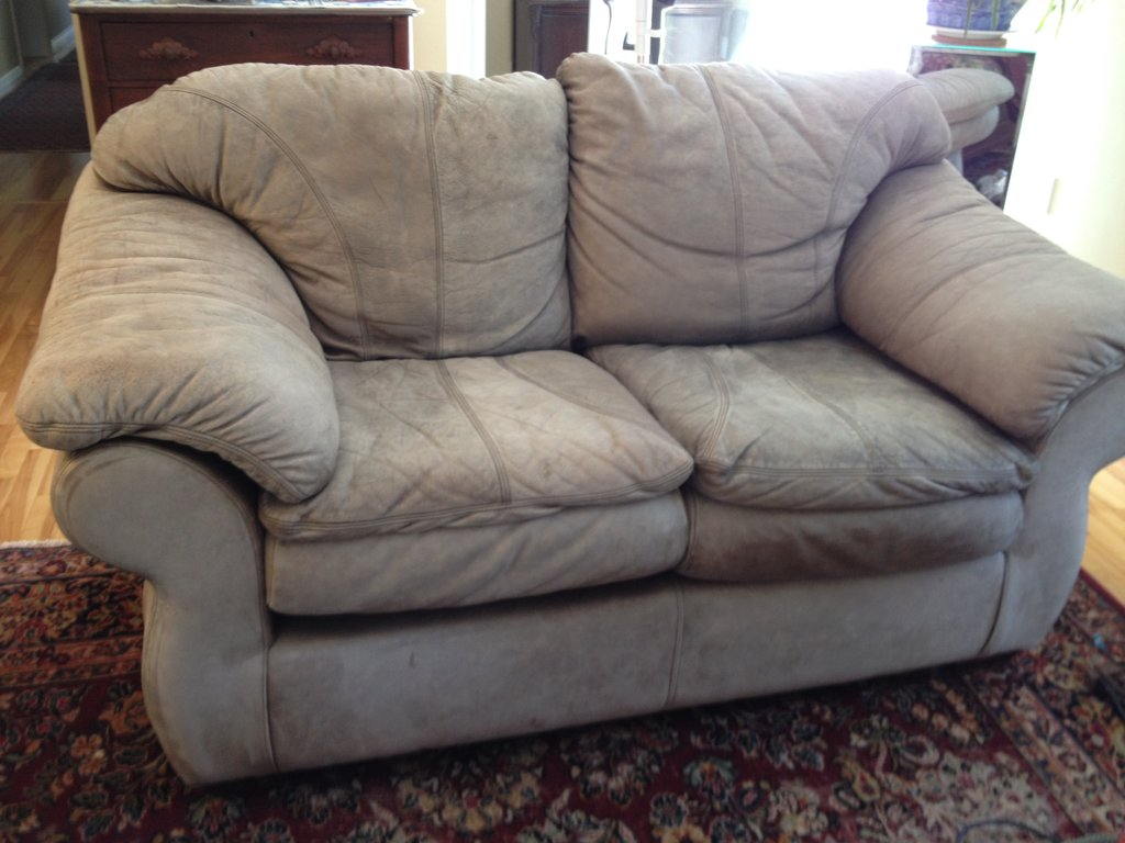 Leather Sofa Stain Remove Stain Leather The Best Way To Keep Clean Beige Leather Sofa