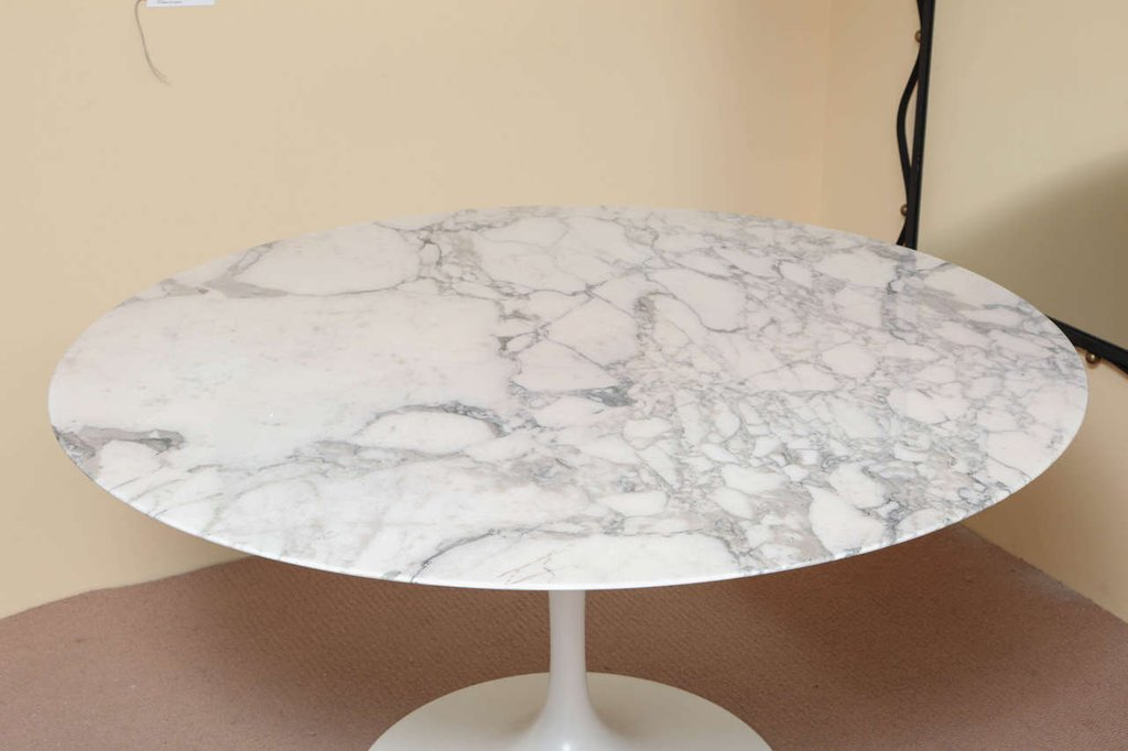 Marble Top Saarinen Dining Table 1stdib Marble How To Refinish Marble Table Tops