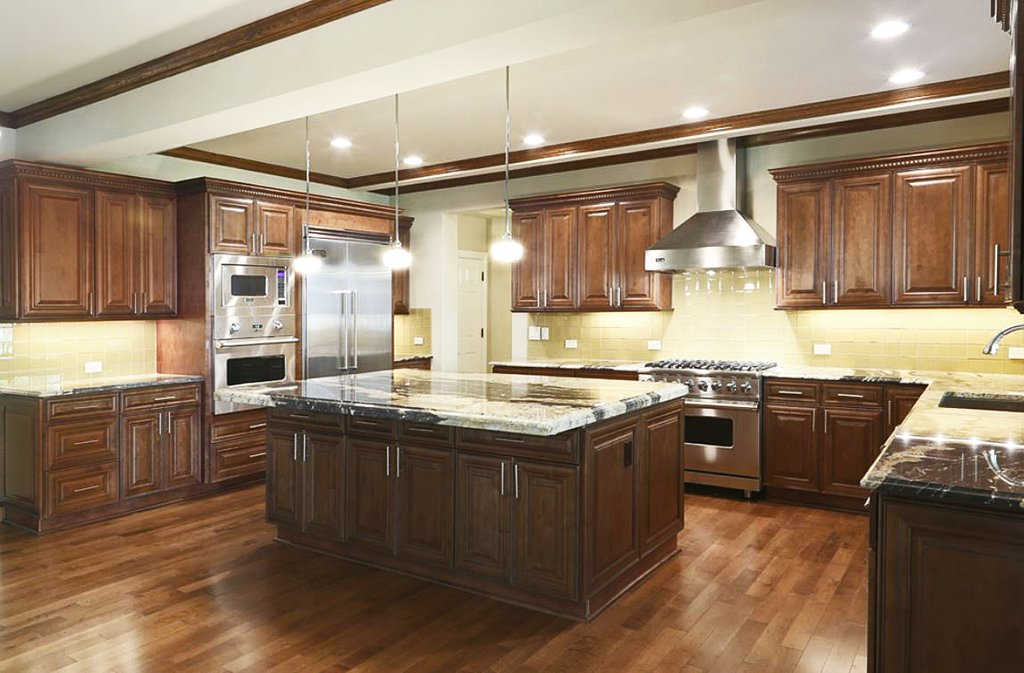 Mo1 Chocolate Maple Glazed Jk Canbinetry Rustic Maple Kitchen Cabinets