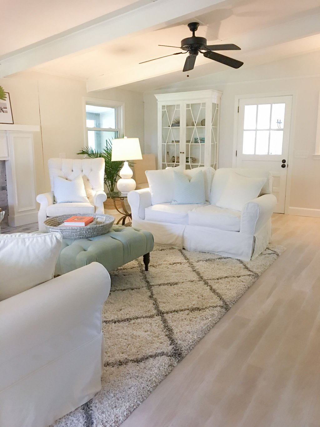 Quot Play Room Quot Whitewashed Floor Diy White Washed Laminate Flooring With Vinegar