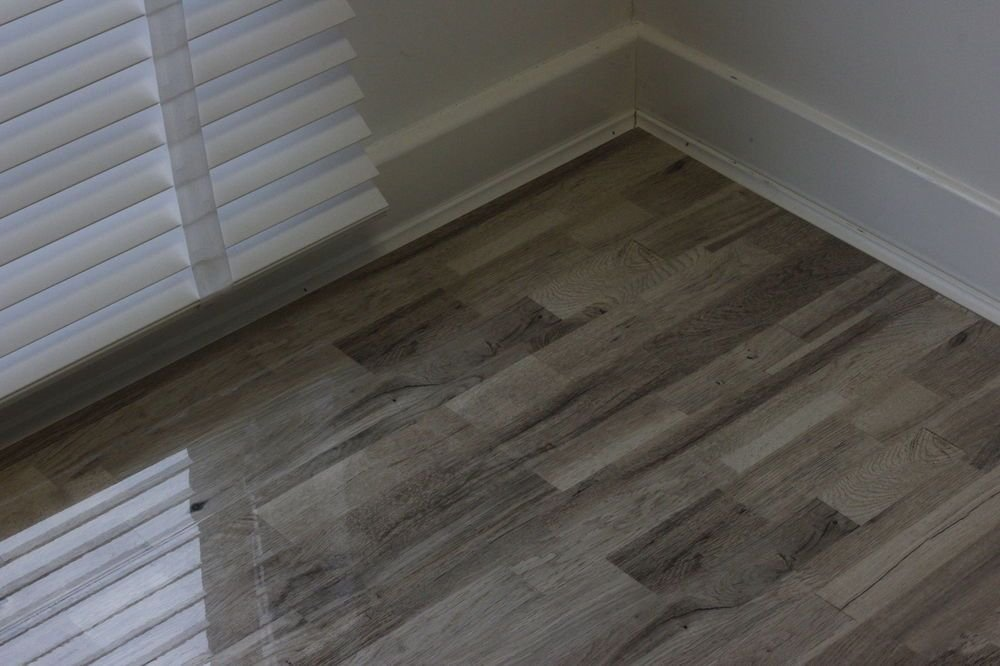Super High Gloss Laminate Flooring Price Square Foot Tile Effect Laminate Flooring For Bathrooms