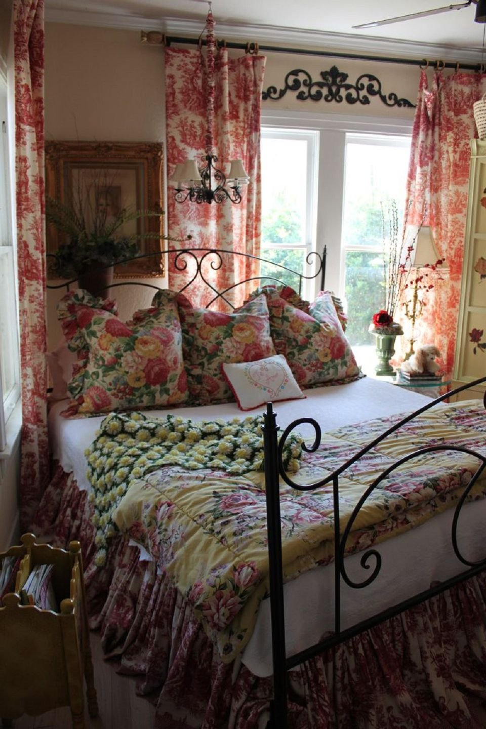 Toile Bedroom Decorating Ideas Toile Bedroom Decorating Microfiber Office Chairs For Bad Backs