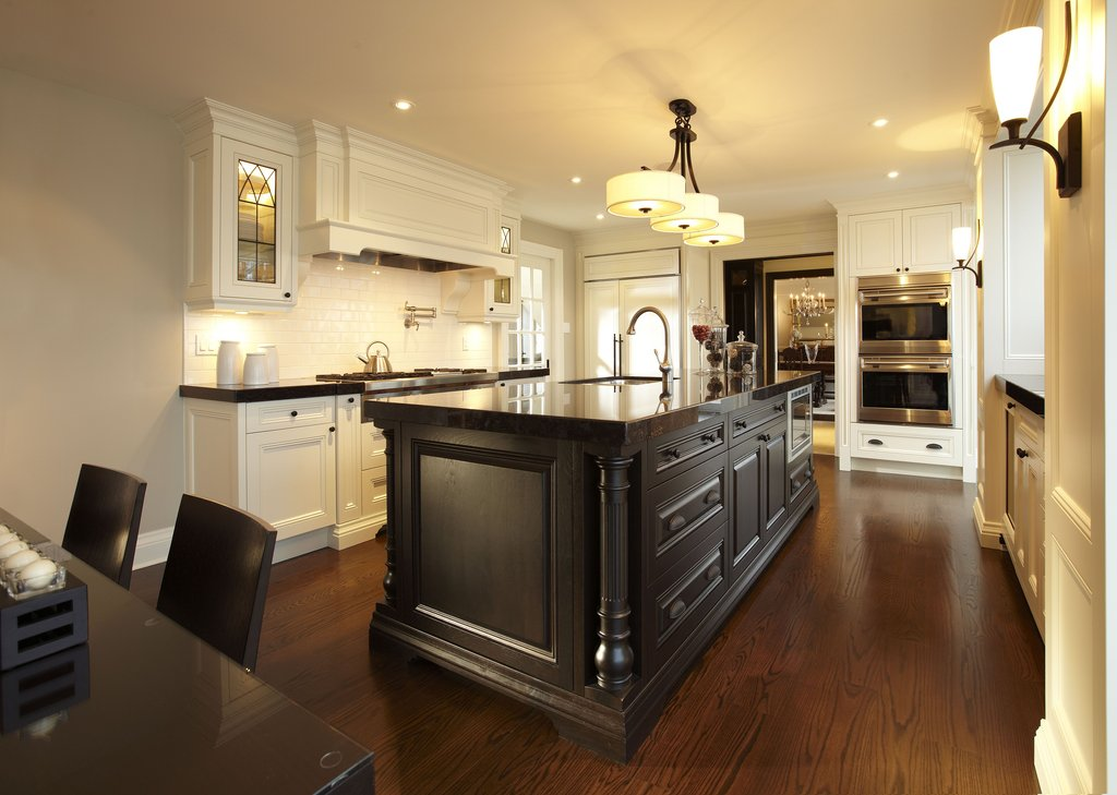Traditional Style Kitchen Quot Parkyn Design Quot Www Rustic Maple Kitchen Cabinets