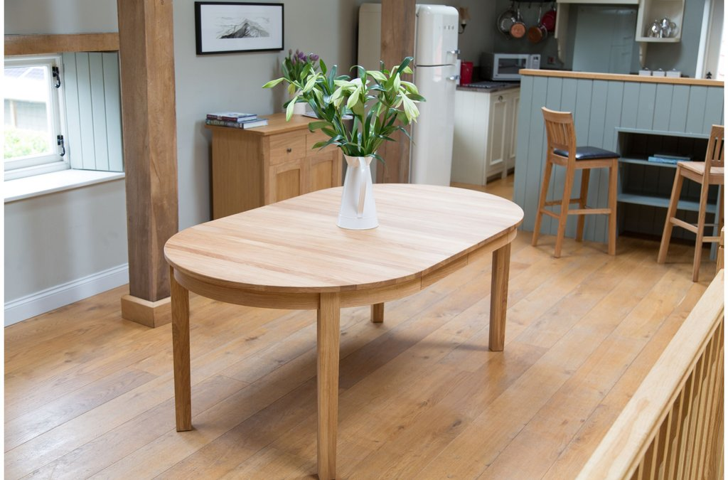 Winsome Natural Oak Finished Dining Table Classic Round Extendable Dining Table