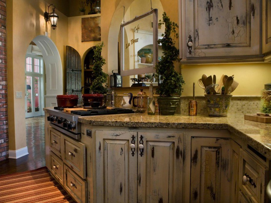 Decorating Distressed Kitchen Cabinets