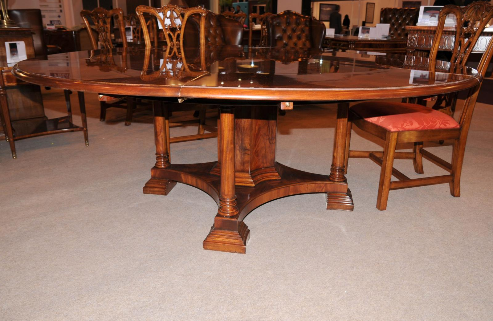 Round Extendable Dining Table Seats 10