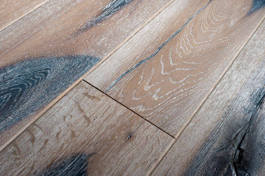 Oak Distressed Laminate Flooring