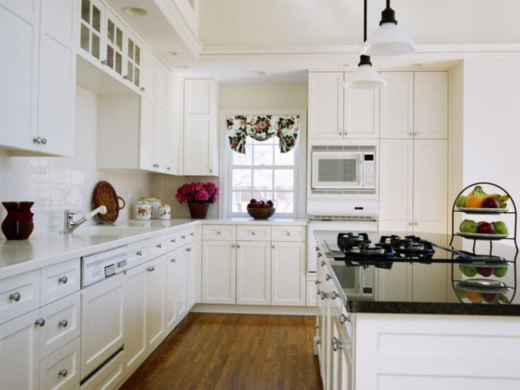 Glamorou White Kitchen Cabinet Remodel Idea Molded Tips To Choose The Good Small Kitchen Colors