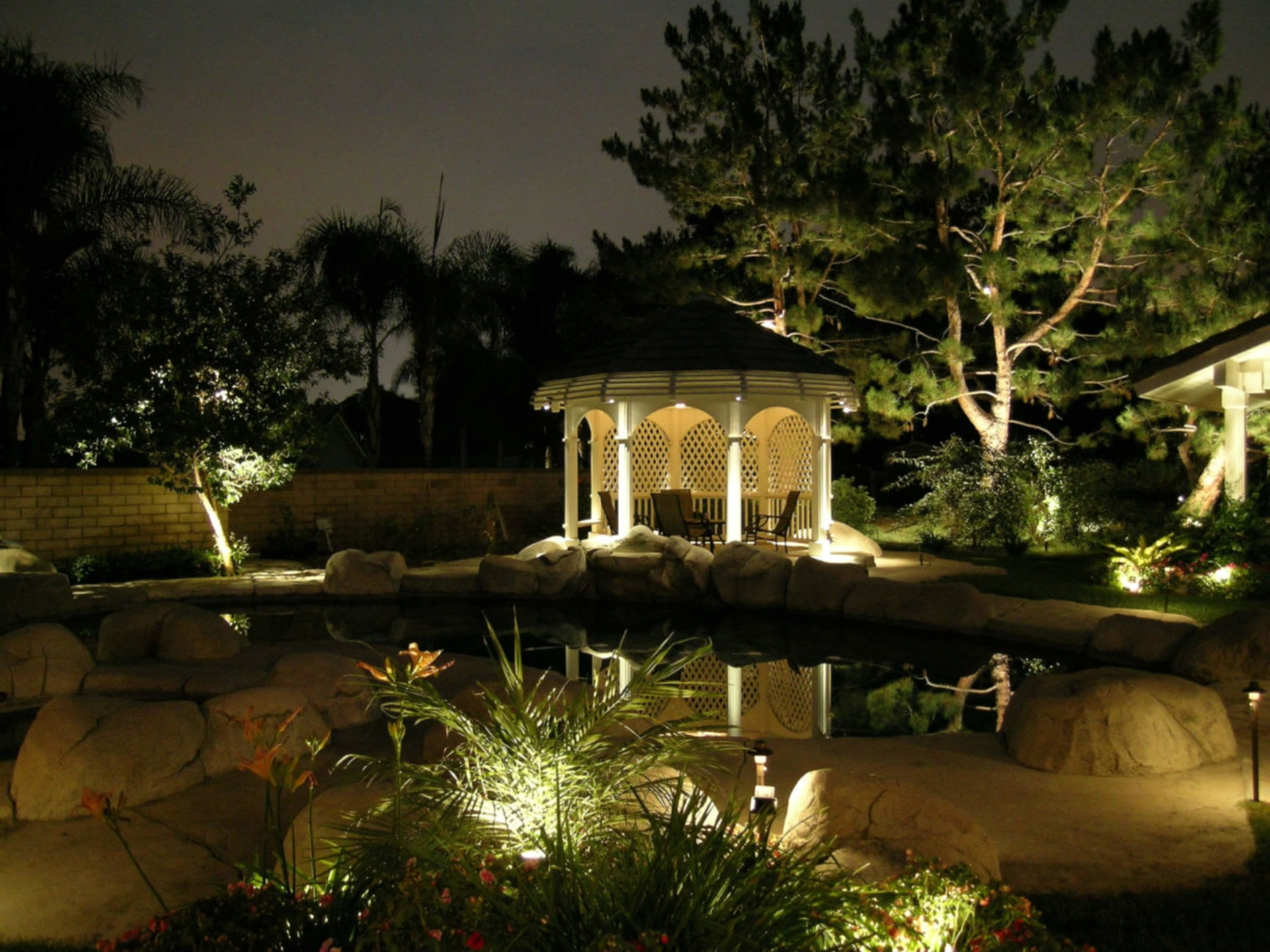 Solar Landscape Lighting Amber