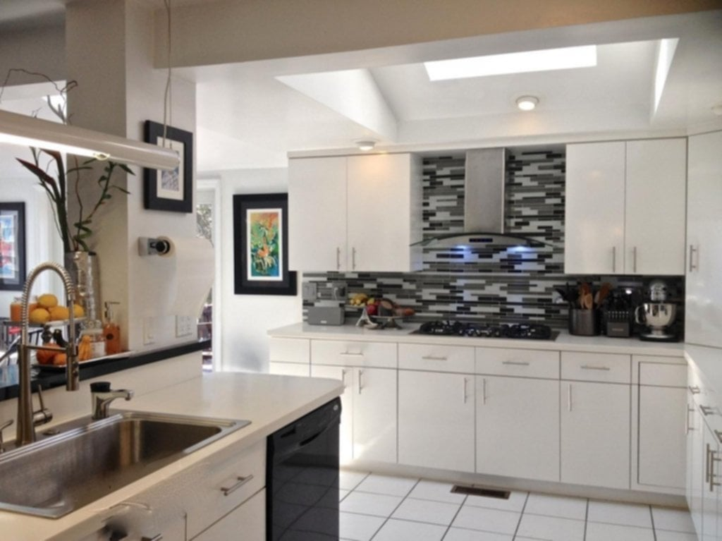 New Pictures Of Black And White Kitchen Backsplashes