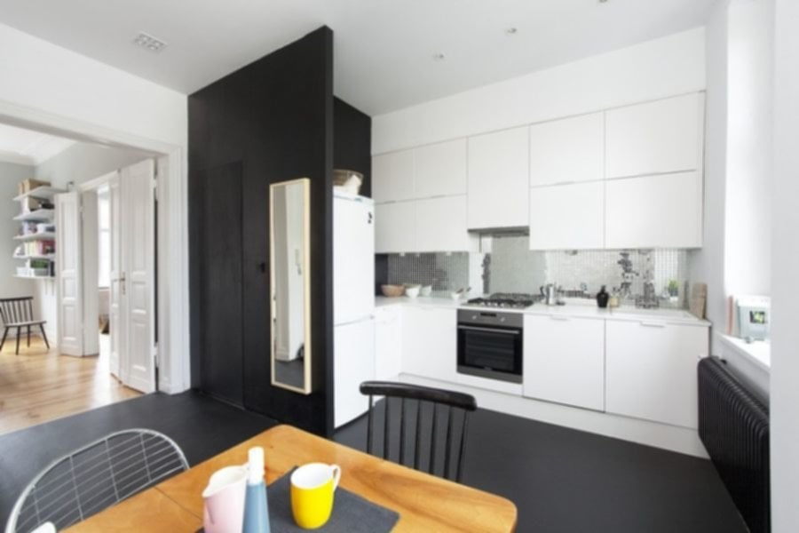 Black And White Kitchen For Limited Space