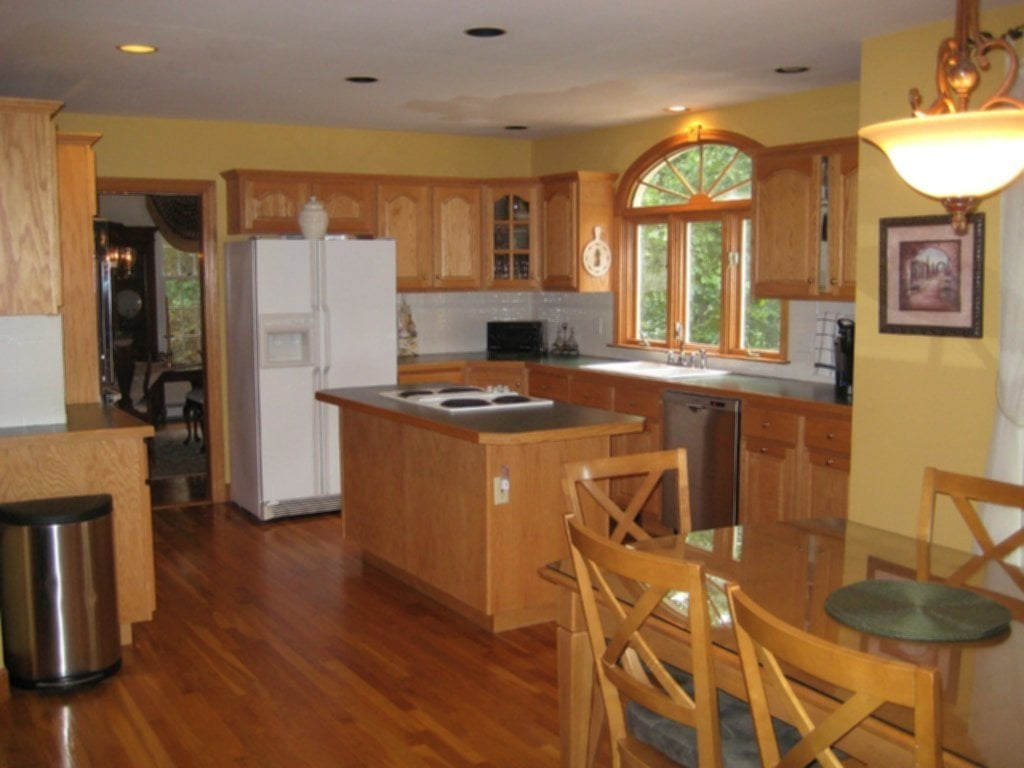 Kitchen Paint Colors With Maple Cabinets – Loccie Better ...