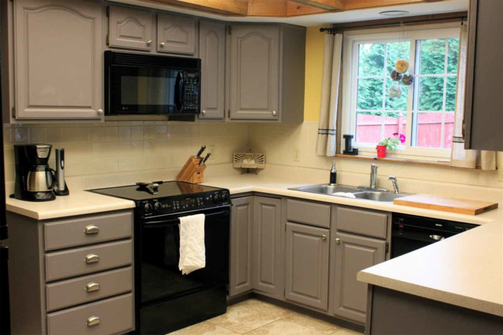 Painting Color For Kitchen With Dark Cabinet