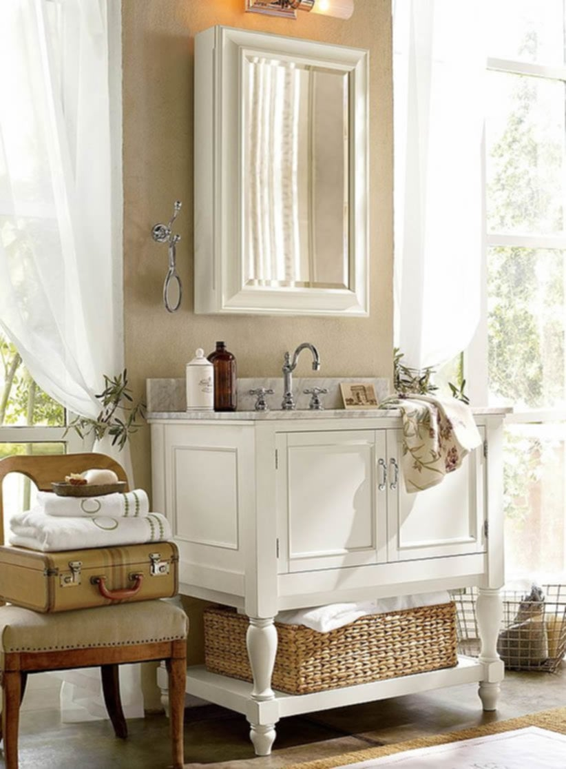 Mirror Decorate A Small Bathroom