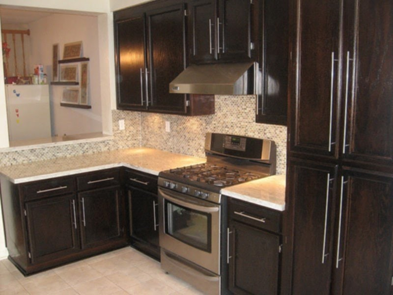 River White Granite Dark Cabinet Backsplash Idea Ideas For Backsplash Ideas With Dark Cabinets