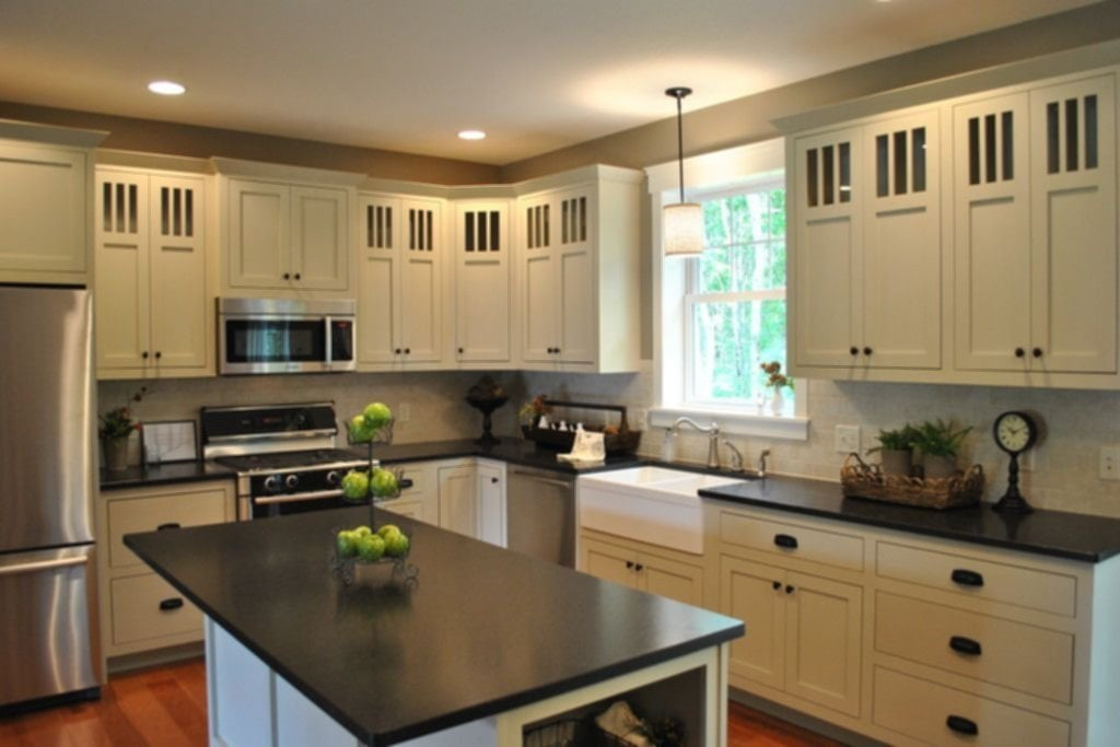 White Cabinet Dark Granite Countertop Home Idea Ideas For Backsplash Ideas With Dark Cabinets